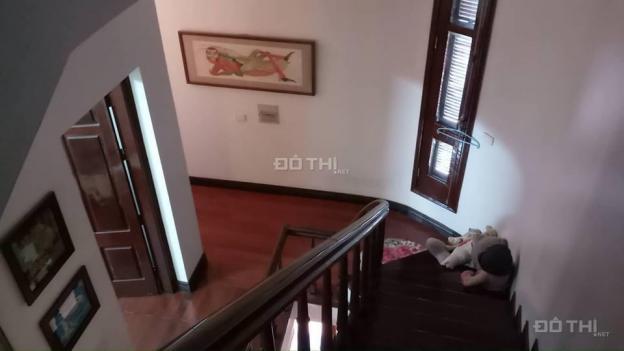 Bán nhà biệt thự bán đảo Linh Đàm, DT 180m2, 4PN, có gara, nội thất nhập, an sinh đẳng cấp 12046016