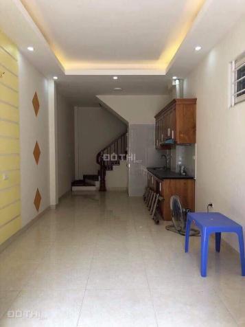 Bán nhà 30m2 x 3T đường Thái Thịnh, Đống Đa, 2,2 tỷ 12513693