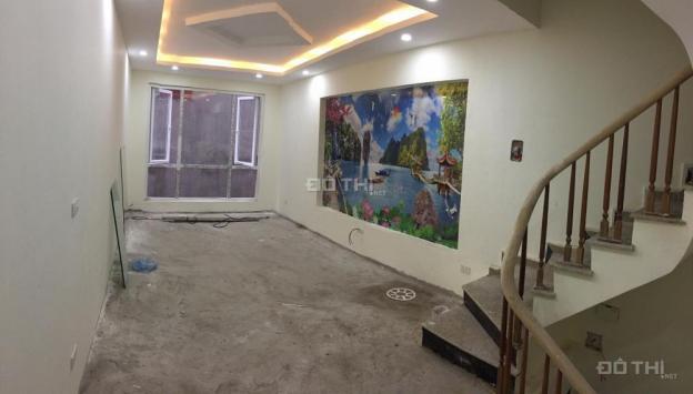 Bán nhà phố Vũ Trọng Phụng, 30m2 x 5 tầng, ô tô cách 15m giá 3 tỷ, 0909091990 12563197