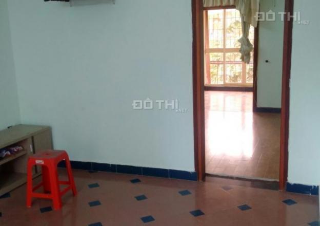Cho thuê căn hộ 2 phòng ngủ tập thể ngõ Hòa Bình 7, có điều hòa 12636212