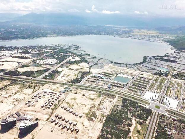 Chính chủ cần bán 2 nền đất BT tại Golden Bay D16 - 14 nền 4 và 5. Giá 15.2 tr/m2, đối diện hồ 12637027