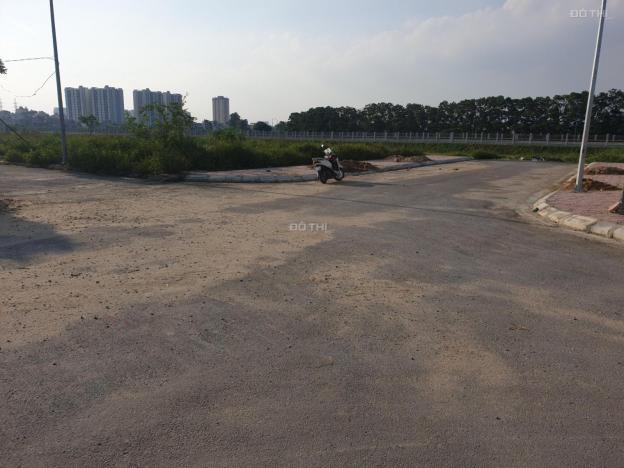 Bán lô góc liền kề cực đẹp đường lớn khu phân lô cho cán bộ trại giam T16 - cách Ngã ba Ba La 300m 12701396