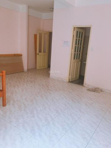 Cho thuê nhà nguyên căn 3 lầu 5PN-5WC  đường Yên Thế, P 2, Q. Tân Bình 27tr/tháng. 12709437