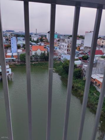Bán căn  tầng trung view hồ bơi đẹp 65 m2 giá 1.950 12731480