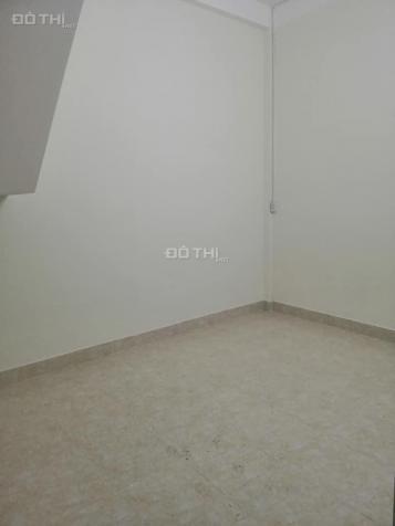 Cho thuê nhà nguyên căn 2 tầng kiệt ô tô Bà Triệu nằm ngay trung tâm thành phố Huế 12734002
