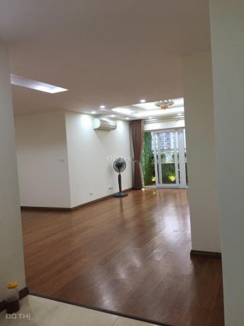 Cần bán gấp căn hộ chung cư Hapulico, 3 phòng ngủ/135m2, nhà mới nguyên 12756133