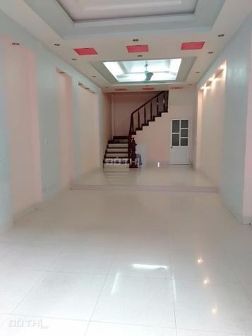 Cho thuê nhà riêng 4 tầng Thạch Bàn, Long Biên, 70m2/sàn, giá: 8 triệu/tháng. LH: 0984.373.362 12817048