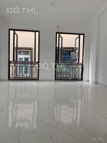 Chính chủ bán nhà 4T, 3p, trong khu dân cư đông đúc, vị trí đắc địa, an ninh tốt, vệ sinh sạch sẽ 12837261