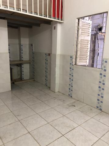 Phòng trọ rất rộng, sạch đẹp, có gác lửng + kệ bếp, bảo vệ 24/24, vô trung tâm chỉ 10p 12819113