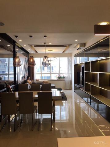 Cần bán căn hộ Sunrise City khu South, DT 138m2, nội thất cao cấp, giá 5.350 tỷ. LH 0909958178 12590140