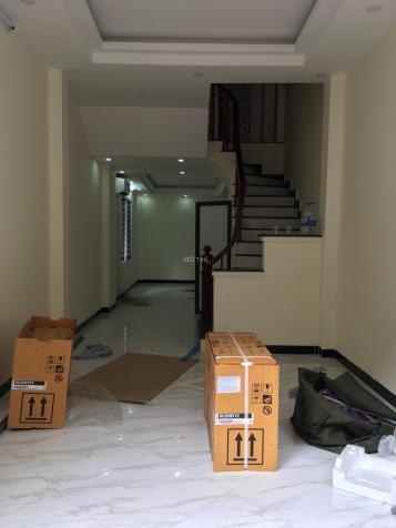 Bán nhà Định Công - Cách phố 10m - 40m2 x 5 tầng - 5PN- SĐCC - Giá 3.7 tỷ - LH 0903070282 12860037