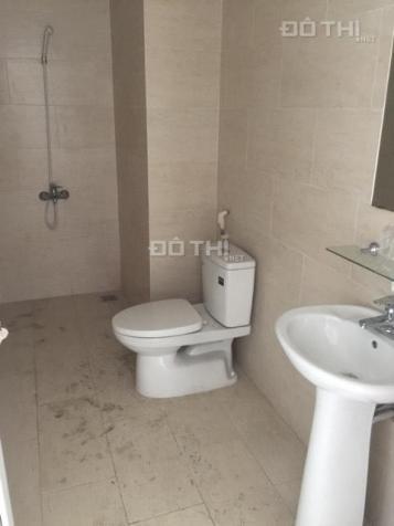 Chính chủ cần bán gấp căn hộ chung cư 60 Hoàng Quốc Việt, giá 28 tr/m2. LH: 0389 558 604 12881795