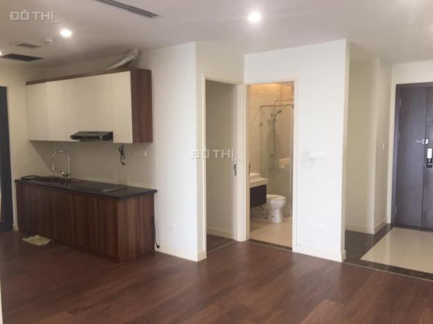 Cho thuê căn hộ CC 173 Xuân Thủy, 95m2, 2PN đồ cơ bản, giá 9 tr/th. LH: Em Nguyễn 0969576533 12883820