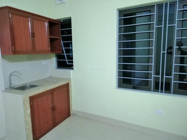 Chính chủ cho thuê phòng trong CHCC mới tinh có thang máy. Địa chỉ: 816/51/24 Kim Giang gần chợ 12904592