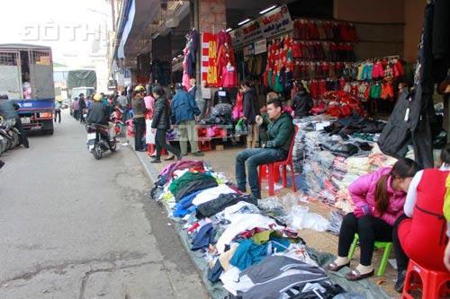 CC bán gấp ki ốt số 03, mặt Hàng Khoai, chợ Đồng Xuân, kinh doanh cực tốt, LH: Ms Bích 0982301170 12905608