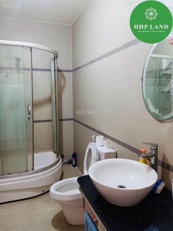 Cho thuê nhà 1 trệt 2 lầu, DT: 6.2x38m mặt tiền đường Bùi Văn Hòa, P. Long Bình 12944094