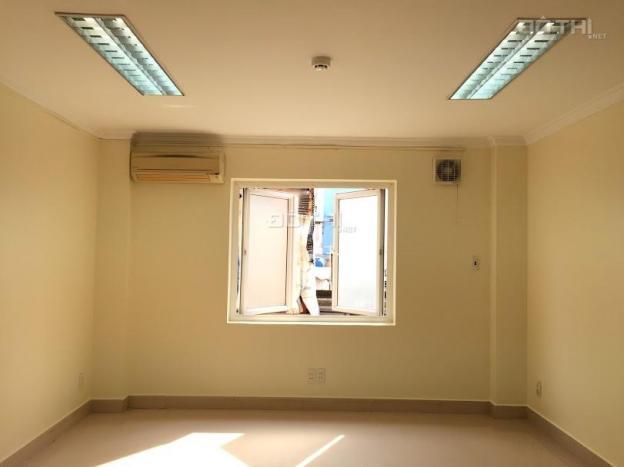 Cho thuê văn phòng 99 Huỳnh Tịnh Của, P. 8, Q. 3, tiện giao thông, giá rẻ 12964522