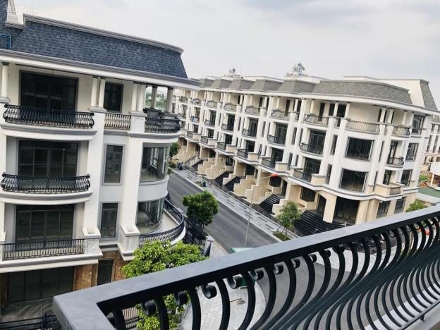 Cho thuê nhà nguyên căn 5 tầng, DT: 5x22m, 6x20m và 7x20m có thang máy trong KDC Vạn Phúc, QL13 12975629