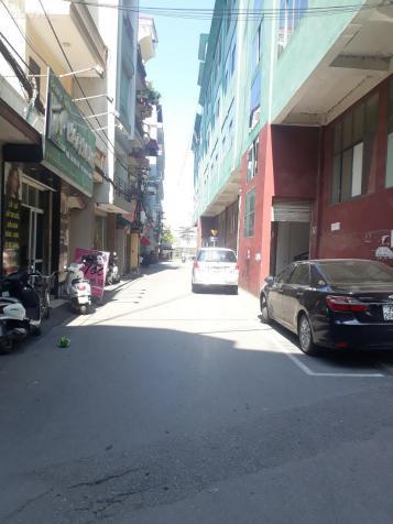 Bán nhà Hoa Lâm, Việt Hưng, 30m2, xây mới 5 tầng, Đông Nam, giá 2,1 tỷ, bàn giao nội thất cơ bản 12976749