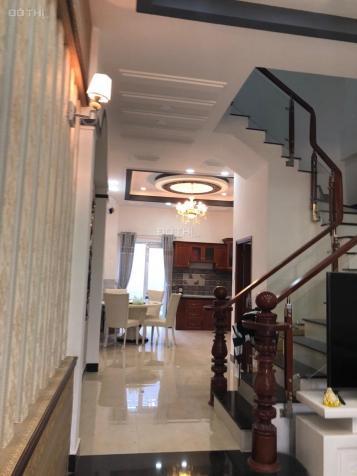 Hot, bán gấp nhà thị trấn Nhà Bè, full nội thất, giá rẻ - nhà đẹp khu vip, giá rẻ 12997184