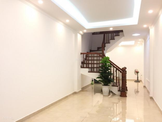 Ngõ thông, kinh doanh ô tô vào nhà, đổ cửa, DT 52m2 x 5T, MT 4.2m Phú Thượng, Tây Hồ. Giá 4.9 tỷ 13039014