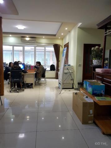 Cho thuê nhà MP Nguyễn Khang làm cửa hàng, quán ăn. DT 60m2x3T, MT 5m, giá 22 tr/th, LH 0941882456 13062042
