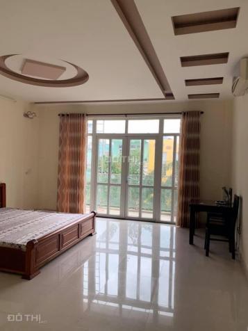 Cho thuê nhà Thái Phiên ngay ngã tư Trần Phú, 4 tầng 13093502