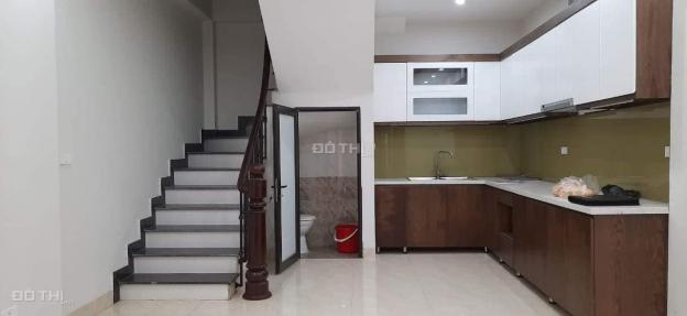 Phố Bồ Đề, Long Biên, 5 tầng, ô tô, giá chỉ 2.9 tỷ 13137538