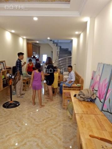 Cho thuê nhà riêng 5 tầng Thạch Bàn, Long Biên, 30 m2, giá: 6 triệu/ tháng. LH: 0984.373.362 13304242