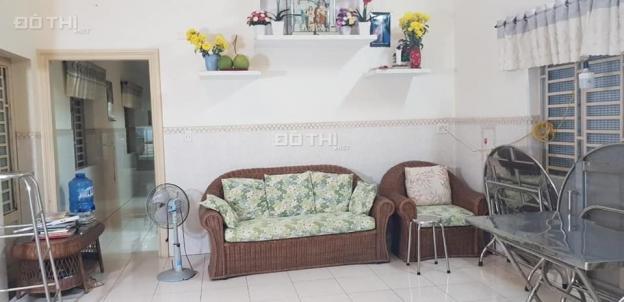 Cho thuê nhà mặt tiền Nguyễn Văn Lộng, gần chợ Chánh Mỹ, 1 trệt, 1 lửng, 2PN, có sẵn máy lạnh 13308747