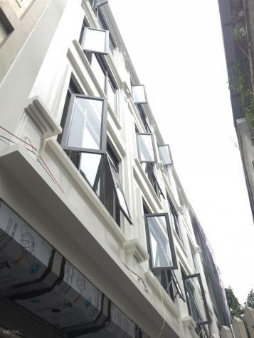 Diện tích 40m2 xây 5T sau nhà mặt ngõ tại 209 Đội Cấn, Ba Đình, giá 3.95 tỷ, LH 0984056396 13325616