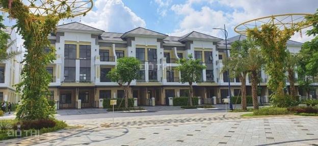 Chính chủ cần tiền bán không chênh nhà phố 3 tầng dự án Verosa - LH Nguyên: 0973145369 13372263