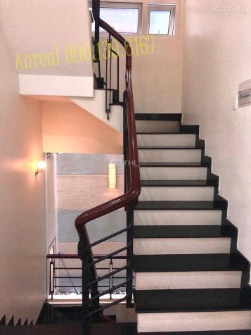 Cho thuê biệt thự làm văn phòng Quận 2 - 8x20m - Hầm 3 lầu, giá 43 triệu/tháng 13407047