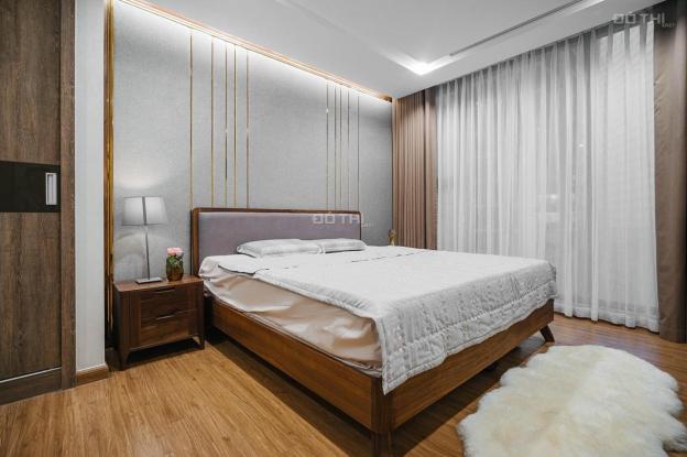 Cho thuê căn hộ 3 phòng ngủ đầy đủ đồ view hồ tòa M1 Vinhomes Metropolis - Giá đề xuất 29 tr/tháng 13473598