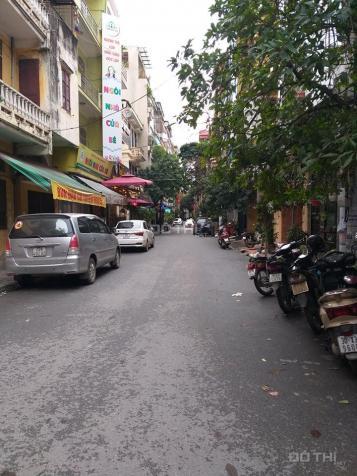 Bán nhà mặt 88 ngõ phố Trung Kính, Vũ Phạm Hàm, Yên Hòa, Cầu Giấy. DT 72,5m2, giá 15,95 tỷ 13489395