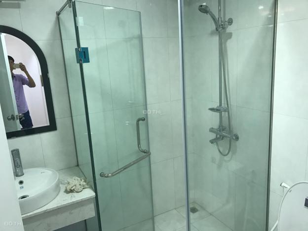 Cho thuê gấp căn hộ tại Ngọc Khánh Plaza, cạnh hồ Ngọc Khánh, 2PN, giá 12 triệu/tháng, 0985878587 13513405