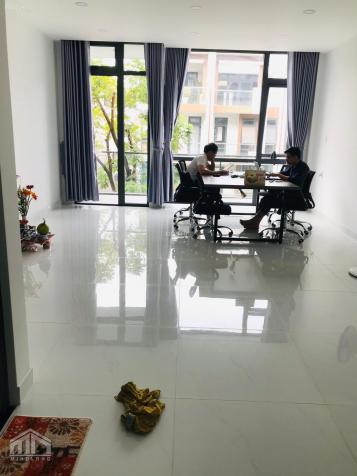 Cho thuê văn phòng từ 25m2 - 35m2 - 50m2 - 85m2 - 100m2 trong KDC Vạn Phúc City Thủ Đức 13517650