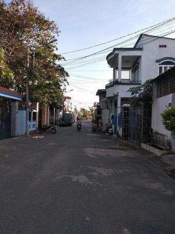 Bán gấp đất đường 182, Lã Xuân Oai, P. Tăng Nhơn Phú A, Q9, DT 250m2 (6 x 42)m, giá 9,2 tỷ 13522745