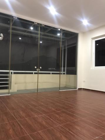 Cho thuê nhà 4 tầng ô tô đỗ trong nhà Ngọc Thụy, Long Biên, 70m2/sàn. Giá: 12 triệu/tháng 13552090