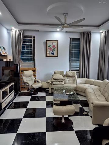 Cho thuê biệt thự BT08 khu đô thị Việt Hưng, S: 220m2, 6 phòng ngủ, Giá: 30 triệu/tháng 13579139