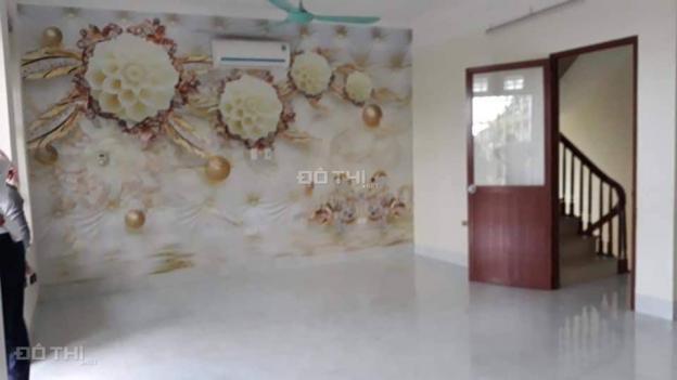 Cho thuê nhà 5 tầng thang máy Thượng Thanh, Long Biên, 100m2 giá: 14tr/th, LH: 0984.373.362 13580185