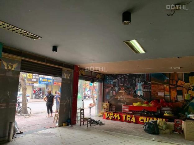 Cho thuê nhà làm game ở phố Ngọc Lâm, nhà 2 tầng, tầng 1 rộng 170m2, tầng 2 rộng 150m2 13586458
