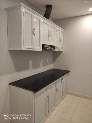 Cho thuê căn hộ 3 phòng ngủ nội thất cơ bản để ở hoặc làm VP dự án Sapphire số 4 Chính Kinh 13596436