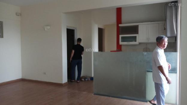 Cho thuê chung cư Ban Trung Ương Đảng 65m2 chia 2 phòng ngủ đồ cơ bản về ở ngay 13604300