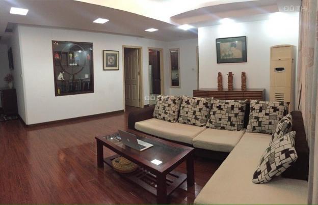 Cho thuê căn hộ chung cư 15-17 Ngọc Khánh 130m2 3 ngủ đủ đồ giá 15.5tr/th - LH: 0968045180 13609801