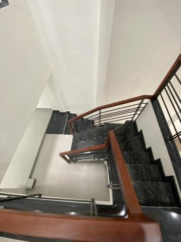 Cho thuê nhà mặt tiền Yersin, Quận 1. DT: 4x24m, 4 tầng, 8PN, 8WC nhà mới 13609953