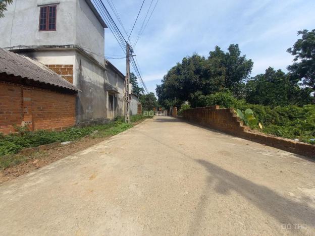 Bán gấp 109.5m2 đất tại thôn 2 Tân Xã, sát khu CNC Hòa Lạc, giá hơn 1 tỷ lh 0866990503 13667989