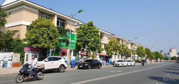 Cần cho thuê gấp căn BT sân vườn khu phố kinh doanh - Giao thông thuận tiện - Cho thuê lâu dài 13670326