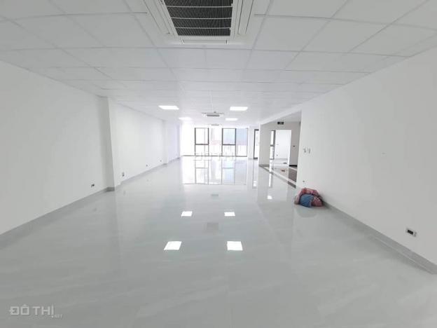 Bán tòa nhà văn phòng 7 tầng 140m2 thông sàn, phố Lâm Hạ, Long Biên, hơn 32 tỷ 13676449