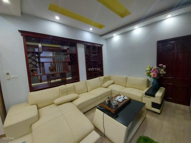 Cho thuê biệt thự 5 tầng Ngọc Thụy, Long Biên, 135m2/ sàn, giá: 18 triệu/tháng. LH: 0984.373.362 13678219